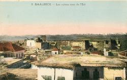 """<bdi class=""""metadata-value"""">Baalbeck : Les ruines vues de L'Est</bdi>"""